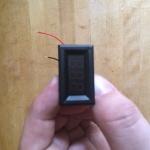 T4 . Voltmeter adjustment - voltmeter front