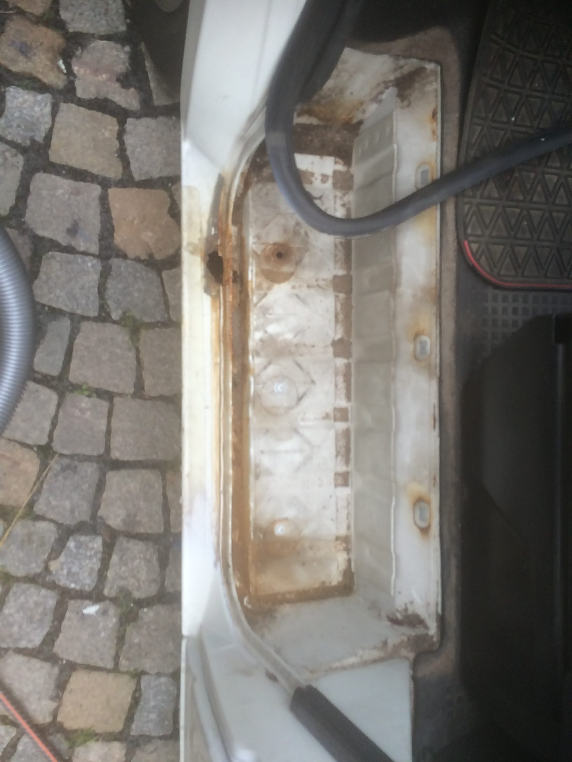 VW T4 Project – War against Rust – Battle V - Sill Part One - start top