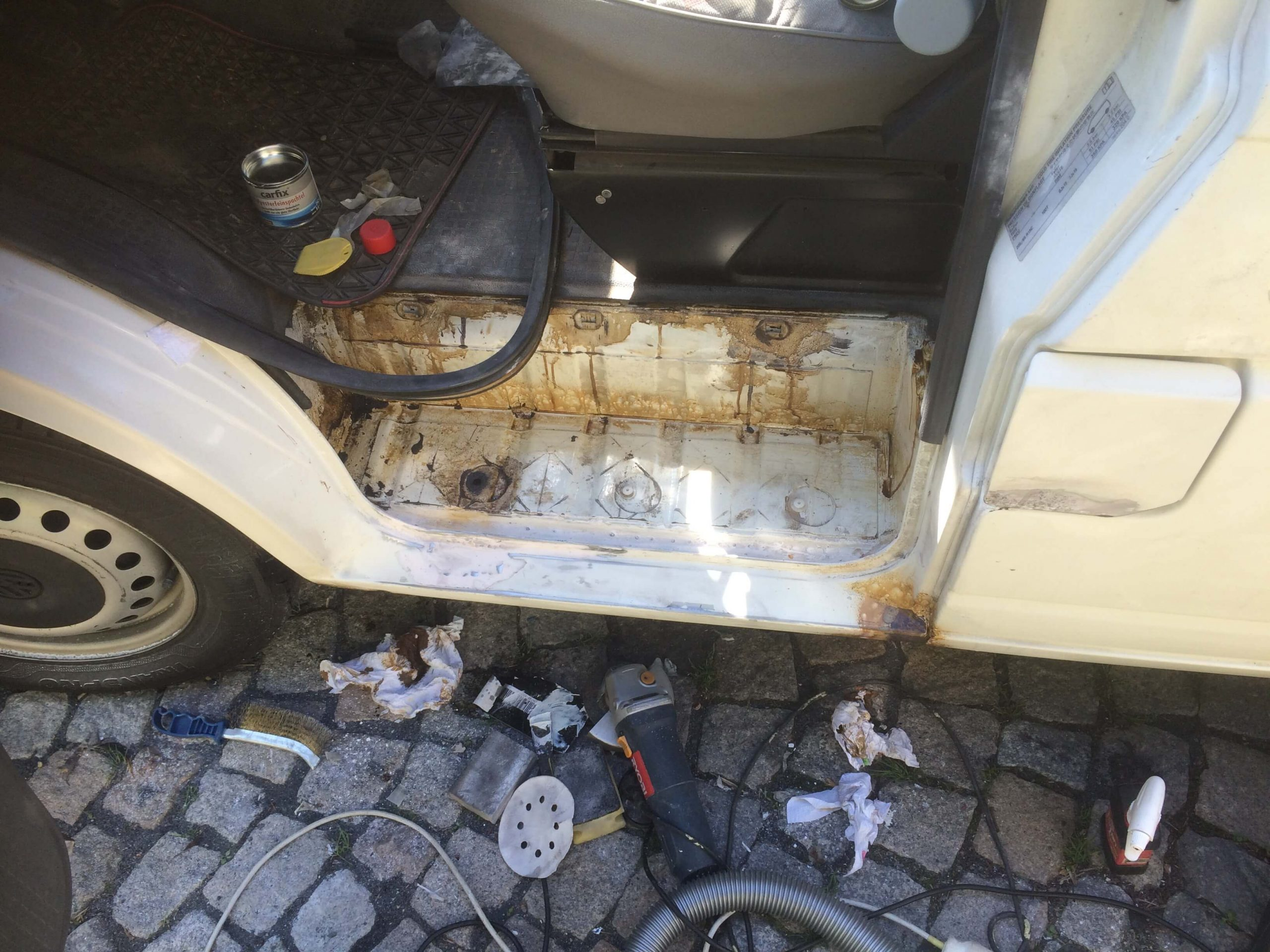 VW T4 Project – War against Rust – Battle V – Sill Part Two - more sanding and fertan